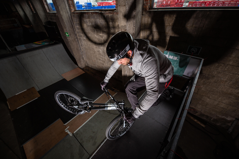 Varial 24 Hybrid bike