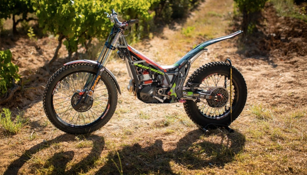 Bike Check - Hugo Dufrese's 2020 Vertigo Vertical R2